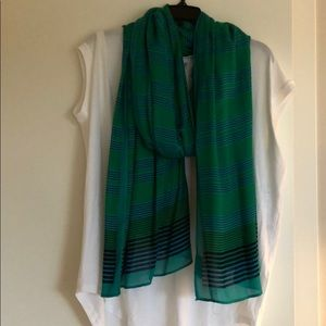 Stella and dot, large scarf. Navy green and teal.